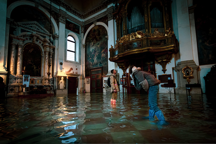 Photographer Documents Venice's Worst Floods in More Than 50 Years