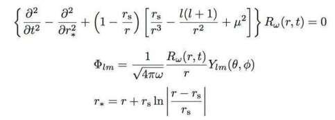 Pour les initiés, le phénomène d'écho gravitationnel peut se deviner avec l'équation décrivant la propagation d'un champ scalaire Φ dans l'espace-temps d'un trou noir sans rotation. On voit ici la partie radiale du champ et l'on remarque, dans le système de coordonnées choisies, que les deux premiers termes de l'équation sont ceux d'une équation d'onde classique mais qu'il apparaît une série de termes avec une masse μ pour une particule associée au champ, et surtout une partie qui se comporte comme une « barrière centrifuge ». On est donc dans un cas où cette barrière transmet et réfléchit une partie de l'onde qui se propage. © Kinwah Wu (MSSL, University College London) Steven Von Fuerst (KIPAC, Stanford University)