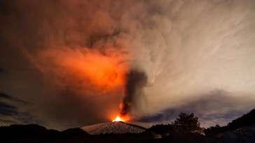 Une éruption volcanique géante aurait détruit la couche d'ozone il y a 75.000 ans