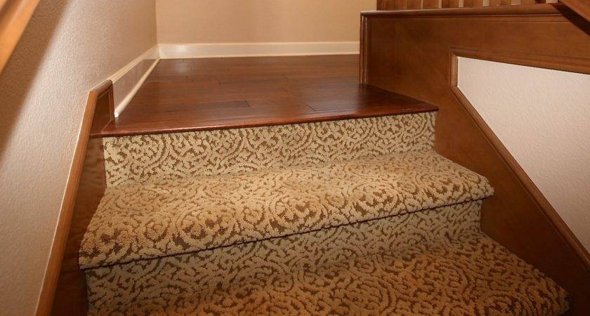 How To Install Carpet On Stairs 25 Photo Gallery Gabe Jenny Homes   Hardwood Floors And Carpet Stairs   Top Step Carpet   Middle   Decorative   Wood   Colour Wall