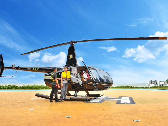 ركوب طائرات الهليكوبتر |  المرافق الخارجية |  كسيس الكركديه ميناء ديكس