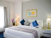 Historic Chicago Hotel Rooms & Suites Congress Plaza
