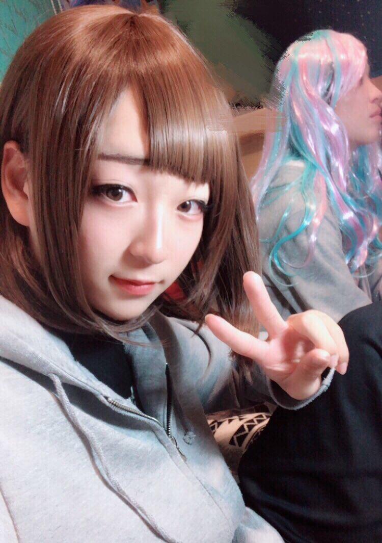 日本超可愛17歲「偽娘」被朋友發現 威脅陪出街先肯封口   GameOver HK
