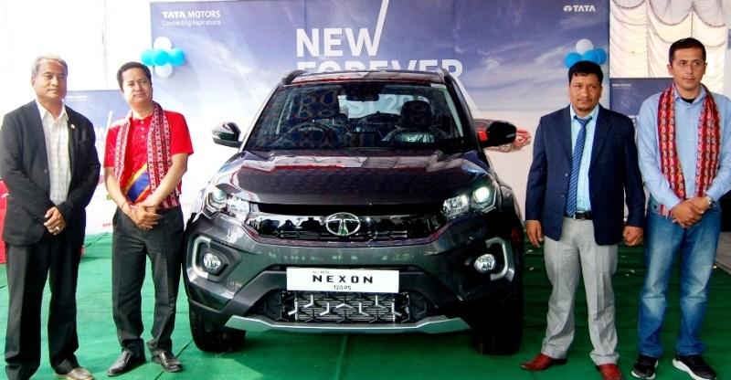 पोखरामा टाटा मोटर्सका 'नयाँ फरएभर रेञ्ज' का पाँच गाडी बिक्री शुरु