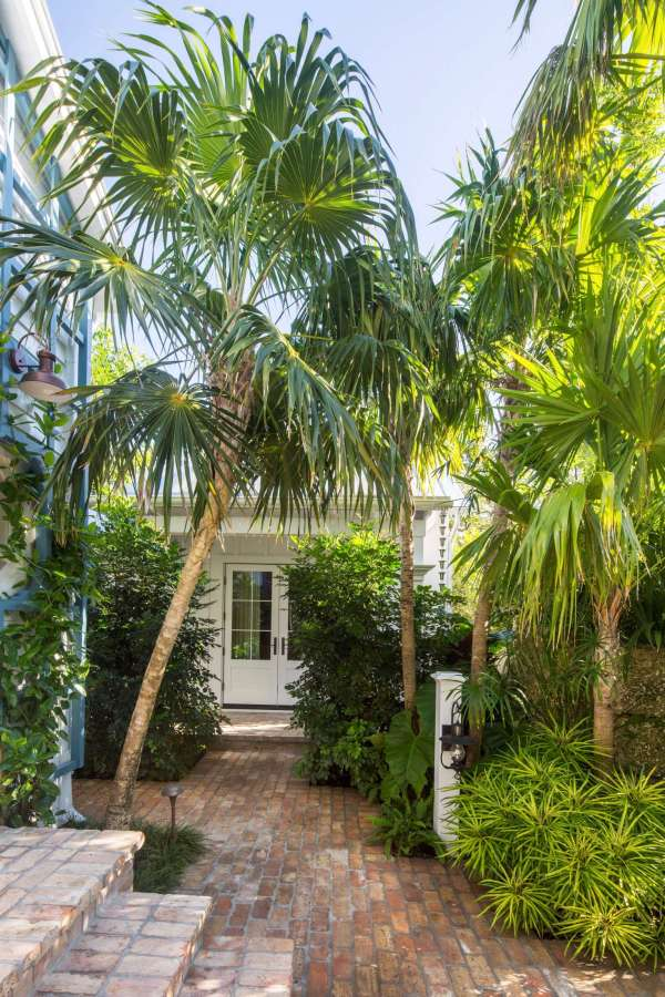 key west's secret garden modern