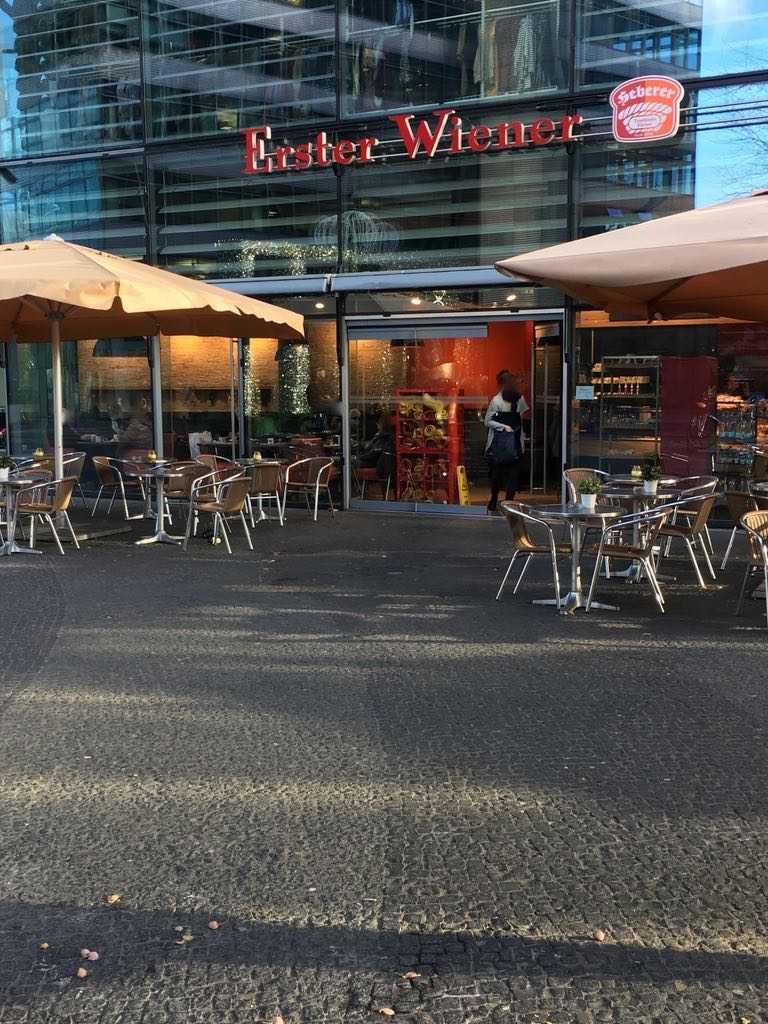 Erster Wiener  Kranzler Eck Bckerei Cafe Konditorei in