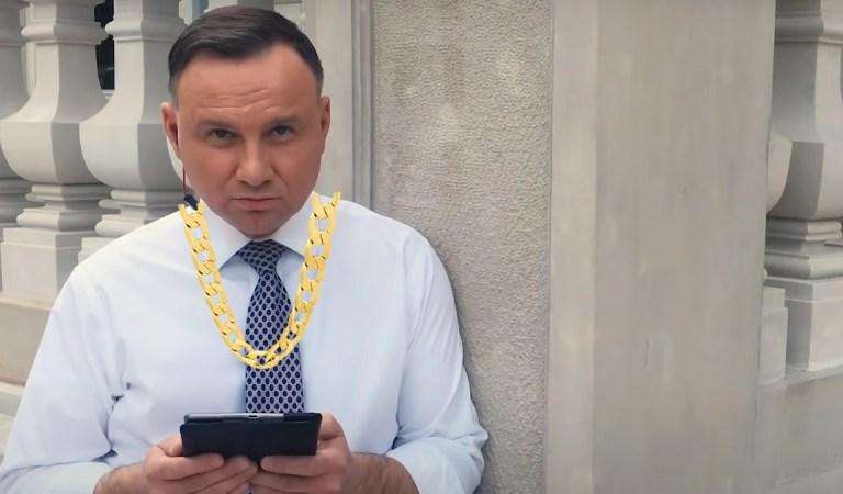 Andrzej Duda rapuje na #Hot16Challenge2 nominował Morawieckiego i Rodowicz.