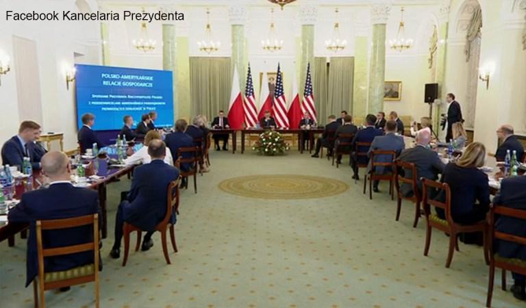 Andrzej Duda kontaktował się z wyimaginowanym amerykańskim  biznesmenem, który nie istnieje.