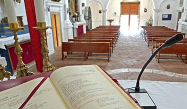 Ostatnia niedziela. Działacze PiS ruszają do kościołów prosić o pomoc. O mszy przypominają im SMS-y