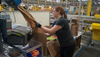 Amazon hiring 1,200 people at new fulfillment center in Seattle region