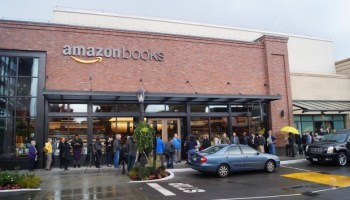 Amazon reportedly to open as many as 400 physical bookstores