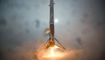 Twitter truce: Jeff Bezos takes the high road, offers kudos to Elon Musk's SpaceX