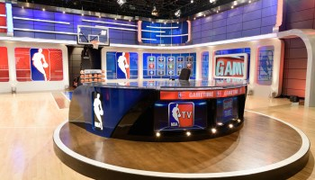 Here are the live shows the NBA will stream on Twitter, as 2016-17 season tips off today