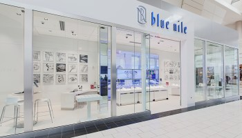 Online jeweler Blue Nile opens fifth brick-and-mortar showroom, this time near its HQ in Seattle