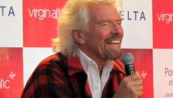 Live Video: Watch Richard Branson's excellent entrepreneurial adventure