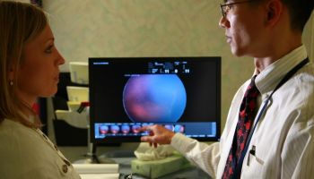 Study finds AI algorithm can diagnose blindness-causing disease more accurately than doctors