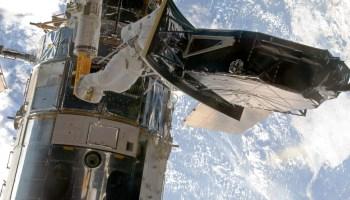 Hubble Space Telescope's team works to revive camera amid NASA shutdown