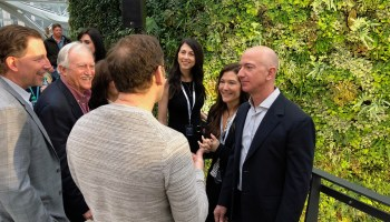 Jeff and MacKenzie Bezos finalize divorce; Amazon CEO keeps 75% of couple's stock