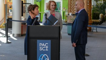 Seattle awards $320,000 to non-profits working to improve technology access