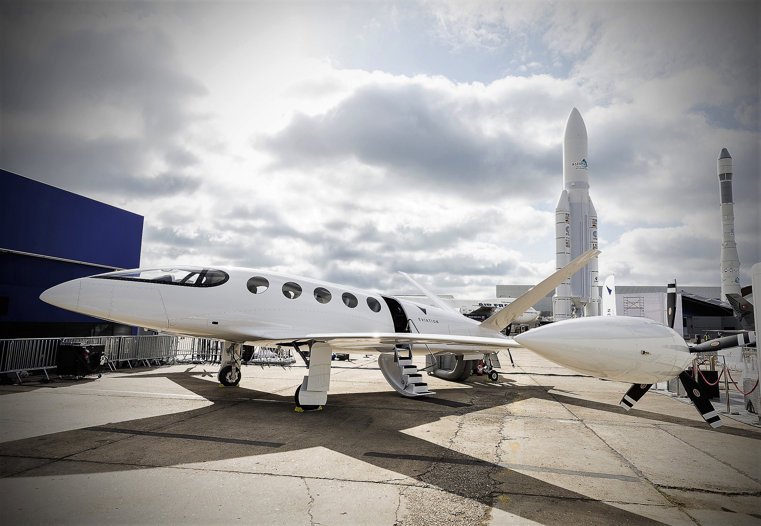 eviation unveils electric airplane