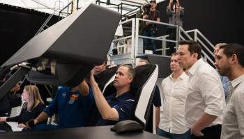 NASA's Jim Bridenstine in SpaceX Crew Dragon simulation
