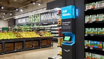 亚马逊开了第一家新店,推出高科技购物车进行零售扩张