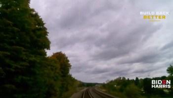 所有乘坐火车抽搐:使用Amazon平台哨子一站式旅游流拜登竞选