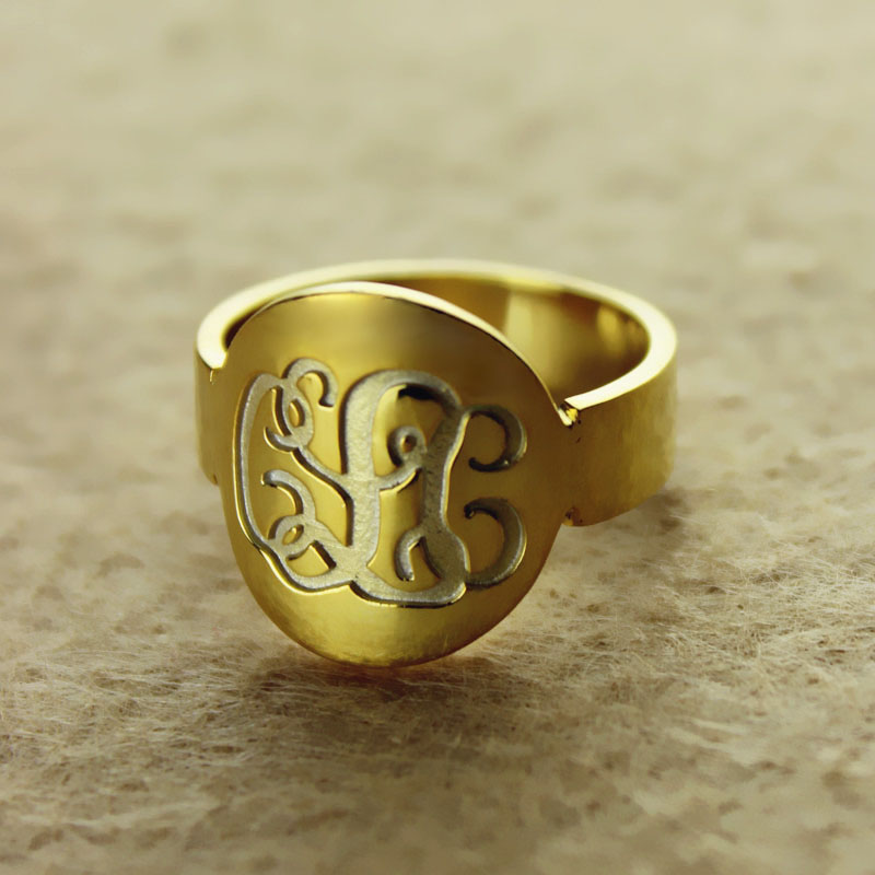 Solid Gold Engraved Monogram Itnitial Ring