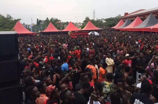 PHOTOS: See pictures of the massive crowd attending Ebony's one week memorial