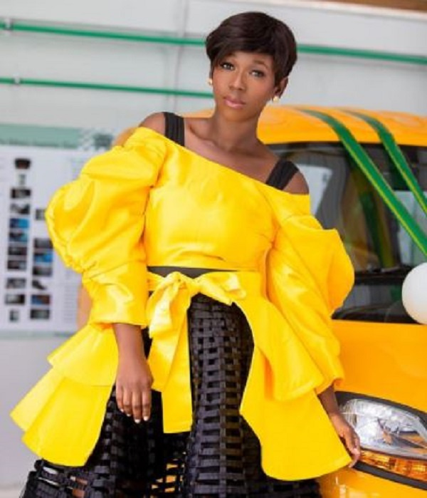 Checkout the 8 decent but stylish Ghanaian female celebrities. 23