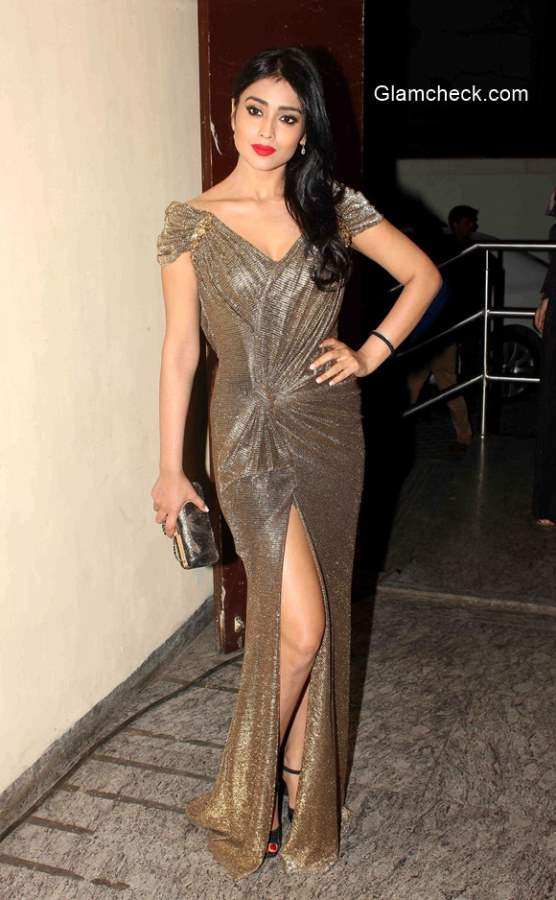 Shreya Saran Hd Wallpapers Celeb Looks Spotted During The Premiere Of Film Ugly