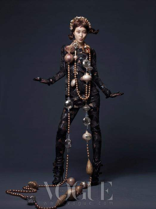 Christmas Editorial Vogue Korea December 2010 12