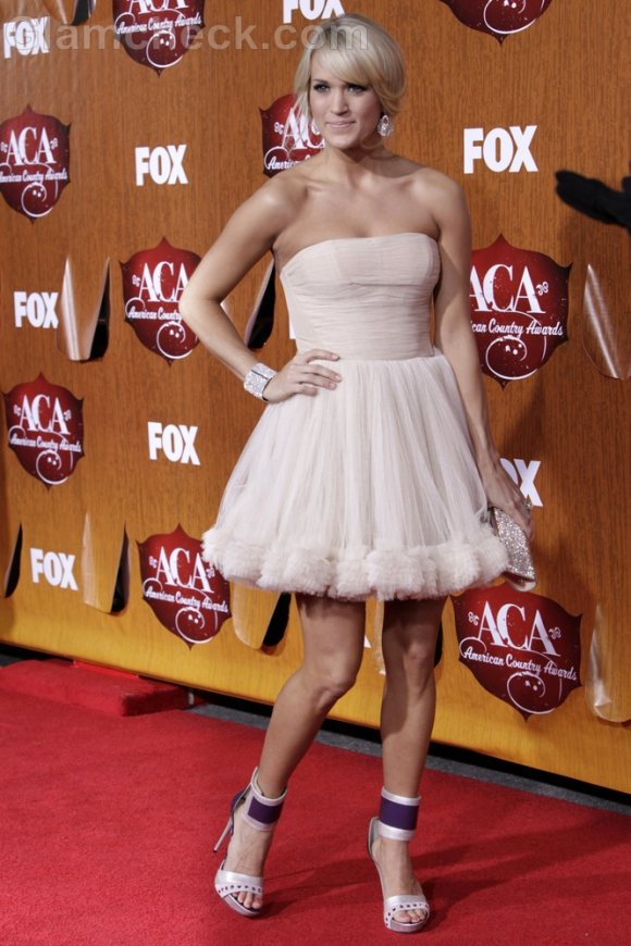Carrie Underwood Dazzles at American Country Awards