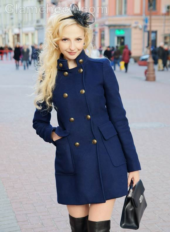 Style Picture How to Accessorize Navy Blue Outfit with Black Accessories