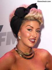 neon hitch in 50 pin hairdo