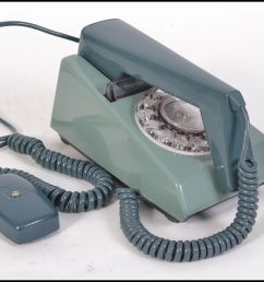 lot 292 a retro trim phone circa 1970 with rotary dial on an unusual teal [ 1933 x 1556 Pixel ]