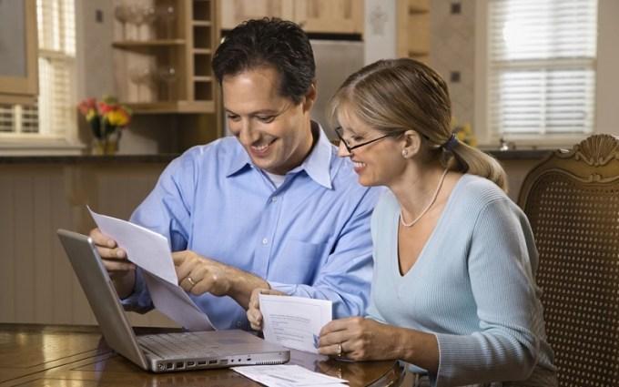 save_money_or_pay_off_debt.jpg