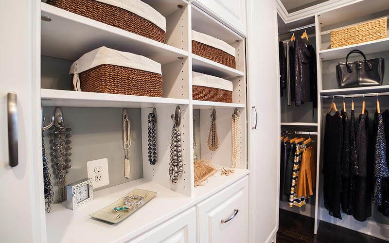 Top 3 Small Walk In Closet Designs Good Find Guru
