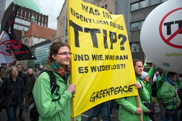 Mobilisation contre le TTIP à Hanovre © Michael Loewa / Greenpeace