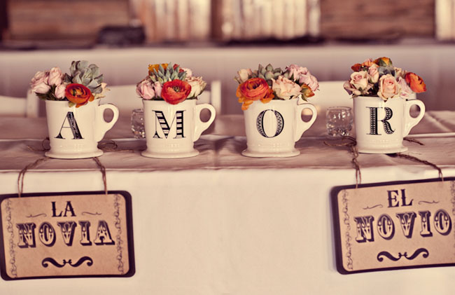 amor cups with flowers