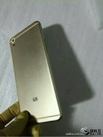 Alleged photos of the Meizu Mi 5 metal shell