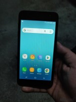 Samsung's Android Go device with Samsung Experience UI on top