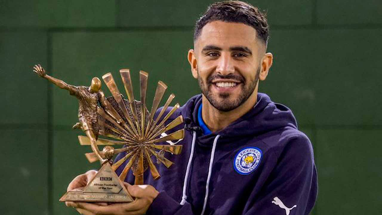 Algerian international Riyad Mahrez' dynamic performances in Leicester's remarkable Premier League title win last season garnered him the prestigious BBC African player of the year award on Monday.