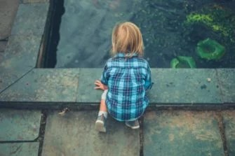 Children at ponds and pools should never be left alone for their own safety.