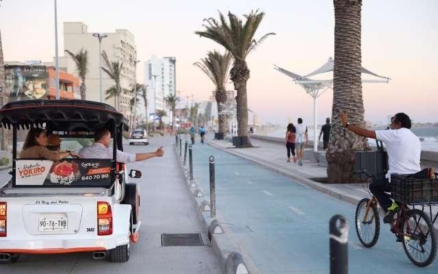 Image result for mazatlan turistas malecon