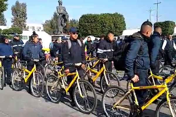 Un grupo numeroso de uniformados se desplegó en las bicicletas de color amarillo para el resguardo de la ciudadanía.Foto: Especial