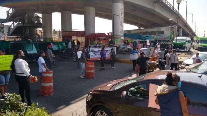 mototaxistas-avenida-central-bloqueo-nezahualcoyotl-ecatepec-piden-apoyos