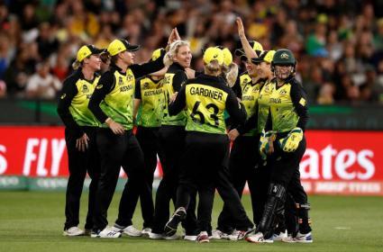 महिला वर्ल्ड टी-20- भारत की शर्मनाक हार, ऑस्ट्रेलिया ने रिकॉर्ड पांचवीं बार खिताब पर कब्ज़ा जमाया