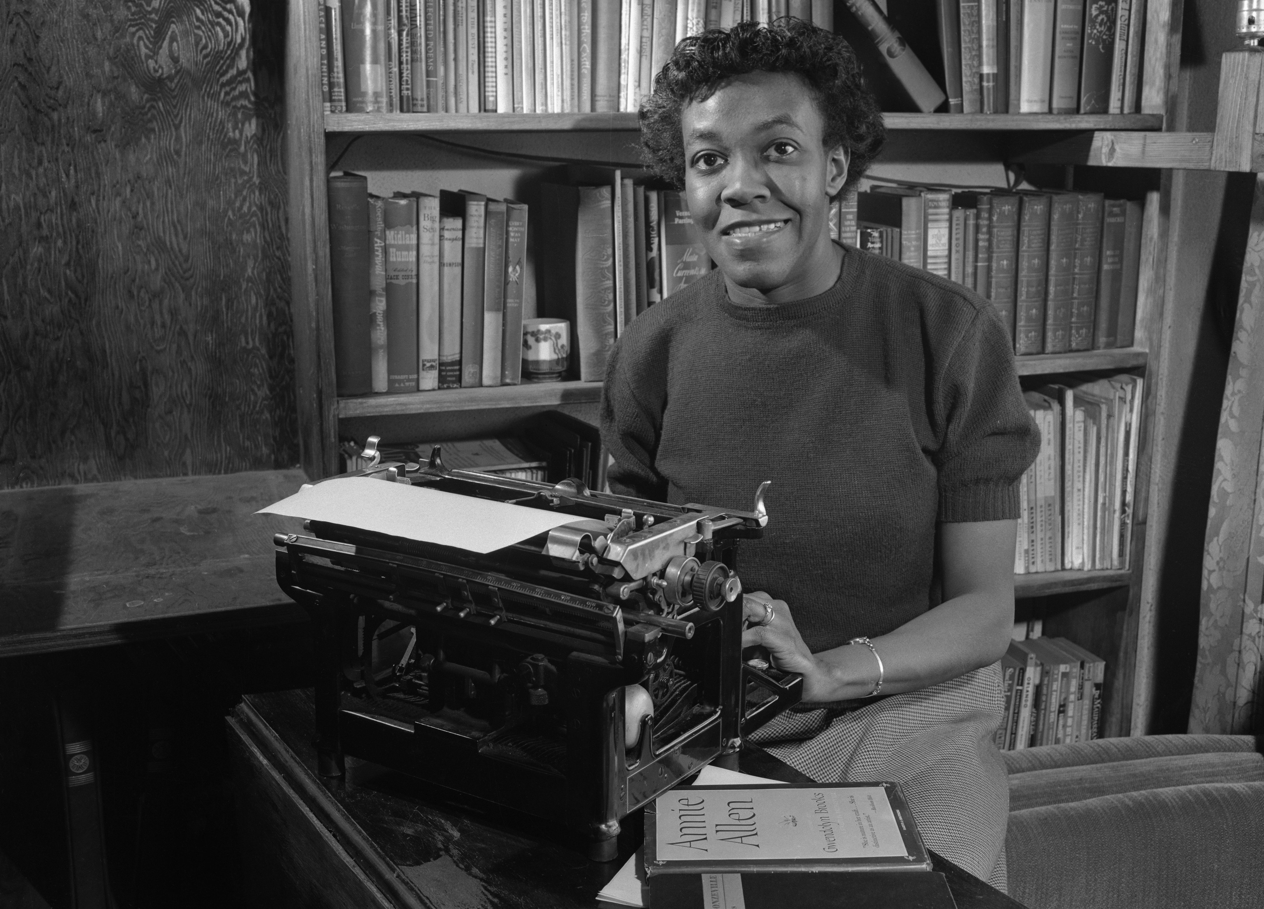 https://i0.wp.com/cdn.history.com/sites/2/2014/01/gwendolyn_brooks.jpg