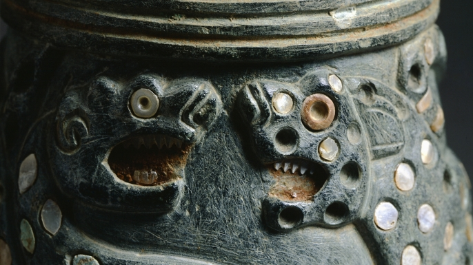 Detail of the fragment from a steatite vase. (Credit: DEA/A. DE GREGORIO/Getty Images)